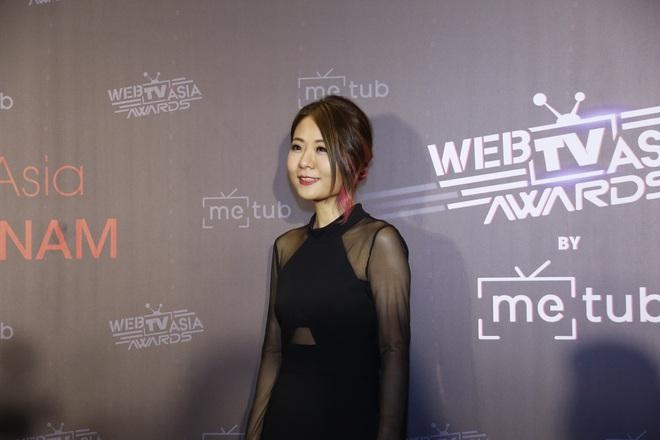 Thảm đỏ WebTVAsia Awards 2019: Nhã Phương, Chi Pu đồng loạt khoe vai thon gợi cảm, cùng dàn nghệ sĩ châu Á tự tin khoe sắc - ảnh 1