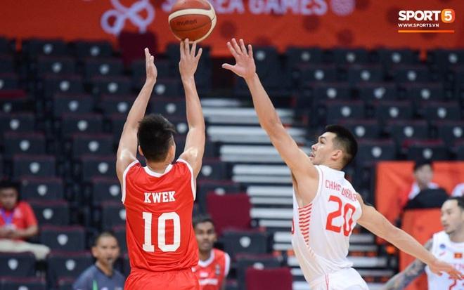 Thắng thuyết phục Singapore, bóng rổ Việt Nam vào bán kết SEA Games 30 lần đầu tiên trong lịch sử - Ảnh 4.