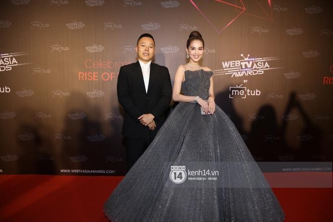 Thảm đỏ WebTVAsia Awards 2019: Nhã Phương, Chi Pu đồng loạt khoe vai thon gợi cảm, cùng dàn nghệ sĩ châu Á tự tin khoe sắc - ảnh 5