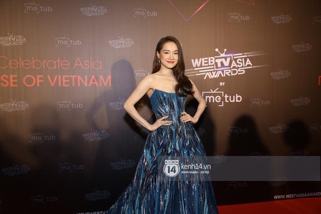 Thảm đỏ WebTVAsia Awards 2019: Nhã Phương, Chi Pu đồng loạt khoe vai thon gợi cảm, cùng dàn nghệ sĩ châu Á tự tin khoe sắc - ảnh 2