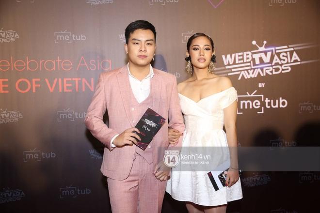 Thảm đỏ WebTVAsia Awards 2019: Nhã Phương, Chi Pu đồng loạt khoe vai thon gợi cảm, cùng dàn nghệ sĩ châu Á tự tin khoe sắc - ảnh 17