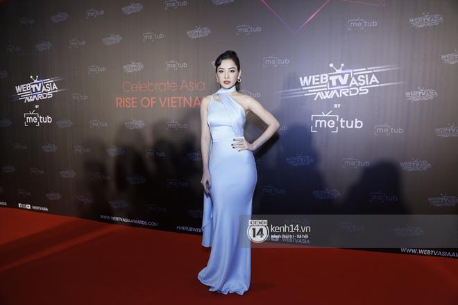 Thảm đỏ WebTVAsia Awards 2019: Nhã Phương, Chi Pu đồng loạt khoe vai thon gợi cảm, cùng dàn nghệ sĩ châu Á tự tin khoe sắc - ảnh 4