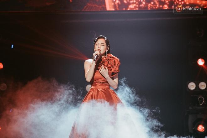 Ngọc Trinh đích thân trao vương miện Miss Showbiz International 2019, Chi Pu có thêm một sân khấu để đời? - ảnh 1