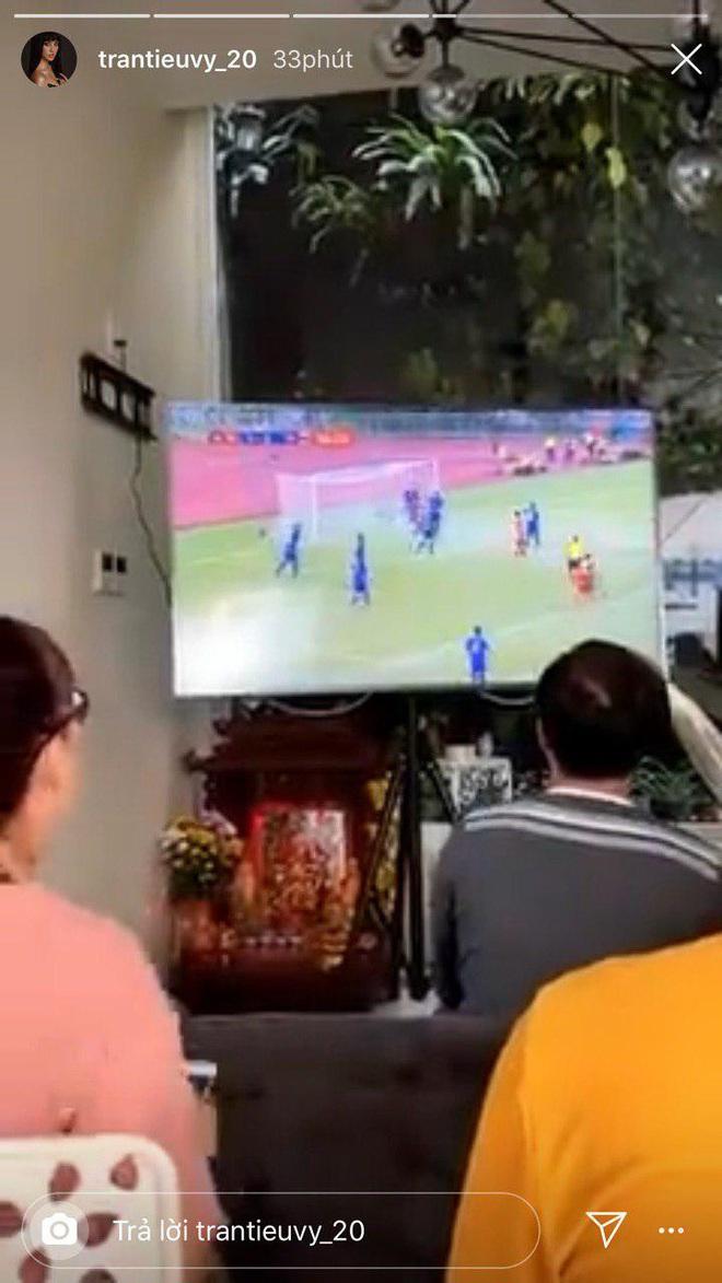 Ngọc Lan, Ngô Kiến Huy và loạt sao Vbiz dành lời động viên U22 Việt nam trước bàn thua trong hiệp 1, vỡ oà trước chiến thắng gỡ hoà với Thái Lan - Ảnh 8.