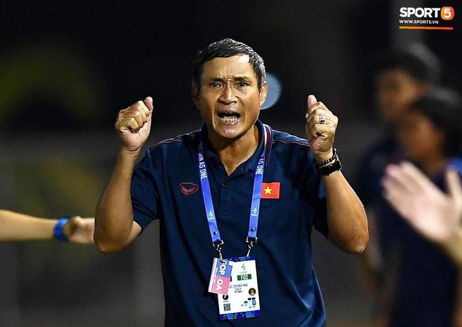 Đội trưởng tuyển nữ Việt Nam đổ gục xuống sân vì kiệt sức sau khi cùng đồng đội giành quyền vào chung kết SEA Games 30 - ảnh 15