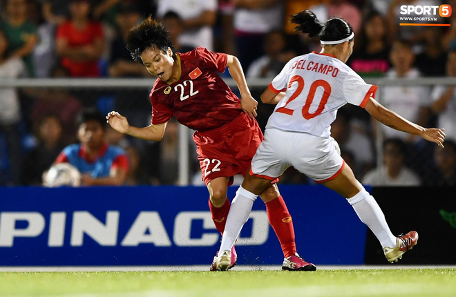 Đội trưởng tuyển nữ Việt Nam đổ gục xuống sân vì kiệt sức sau khi cùng đồng đội giành quyền vào chung kết SEA Games 30 - ảnh 9