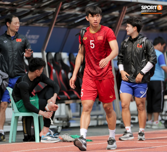 Tuyển thủ U22 Việt Nam nghỉ tập, đi chơi cả ngày 8/12 sau trận thắng Campuchia - Ảnh 1.