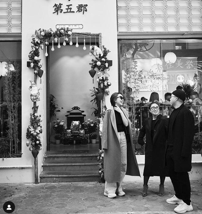 Hiếm lắm mới thấy Hoàng Touliver đăng ảnh bên Tóc Tiên, không tình bể tình nhưng vẫn làm netizen phát sốt - Ảnh 1.