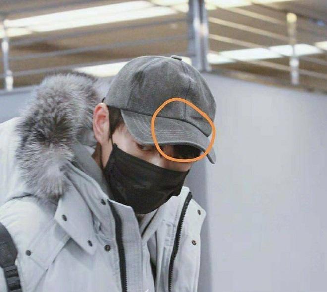 Dương Mịch - Ngụy Đại Huân định chối đến bao giờ: Đội chung 1 chiếc mũ, trùng hợp đến từng vết xước! - Ảnh 3.