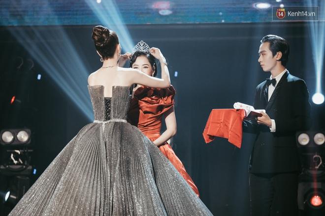 Ngọc Trinh đích thân trao vương miện Miss Showbiz International 2019, Chi Pu có thêm một sân khấu để đời? - ảnh 5