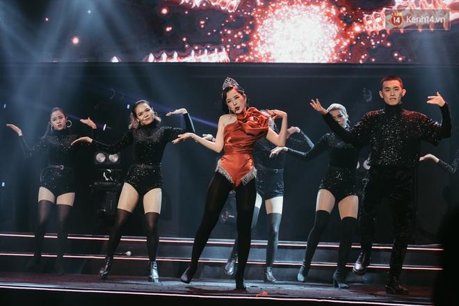 Ngọc Trinh đích thân trao vương miện Miss Showbiz International 2019, Chi Pu có thêm một sân khấu để đời? - ảnh 10