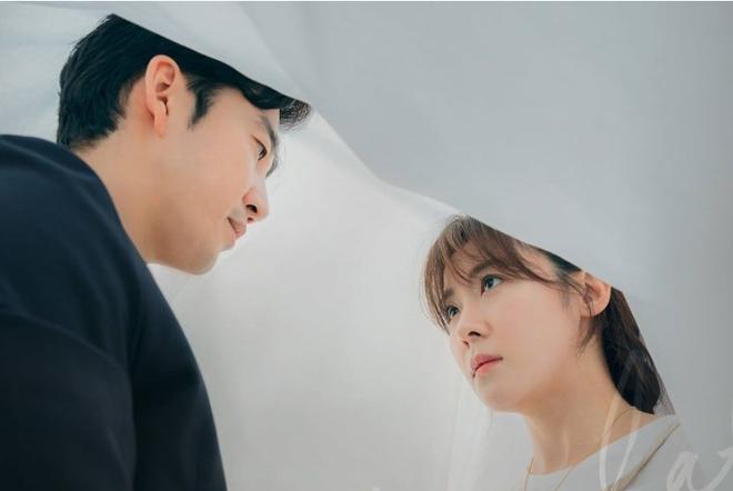 8 phim nhất định phải xem nếu trót mê Hoàng Hậu Ki Ha Ji Won: Từ đả nữ đến gái ngành chị đại không ngán vai nào! - ảnh 23