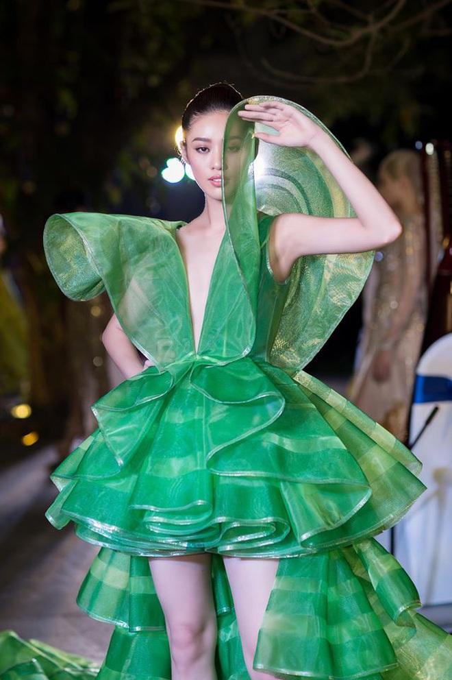 Catwalk điêu luyện nhường này, tân Hoa hậu Khánh Vân chắc chắn sẽ làm nên chuyện ở đấu trường nhan sắc quốc tế - ảnh 8