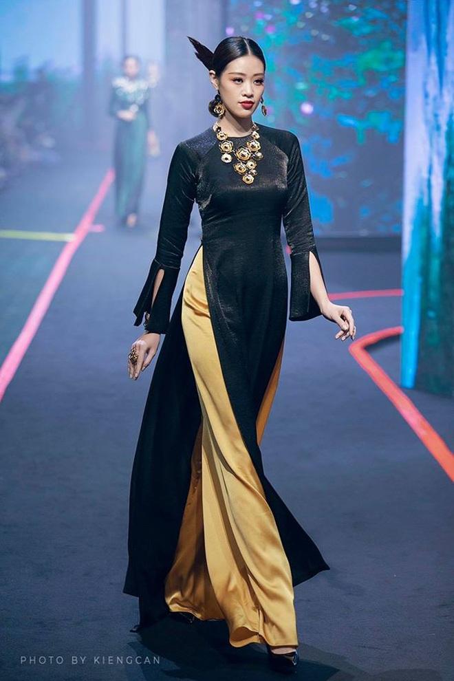 Catwalk điêu luyện nhường này, tân Hoa hậu Khánh Vân chắc chắn sẽ làm nên chuyện ở đấu trường nhan sắc quốc tế - ảnh 9