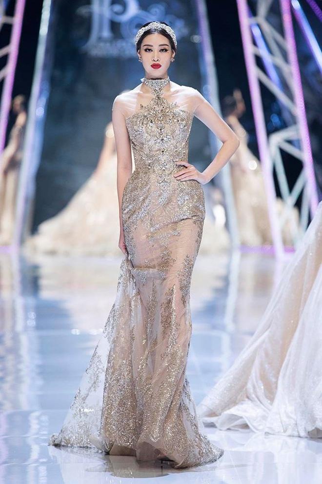 Catwalk điêu luyện nhường này, tân Hoa hậu Khánh Vân chắc chắn sẽ làm nên chuyện ở đấu trường nhan sắc quốc tế - ảnh 10