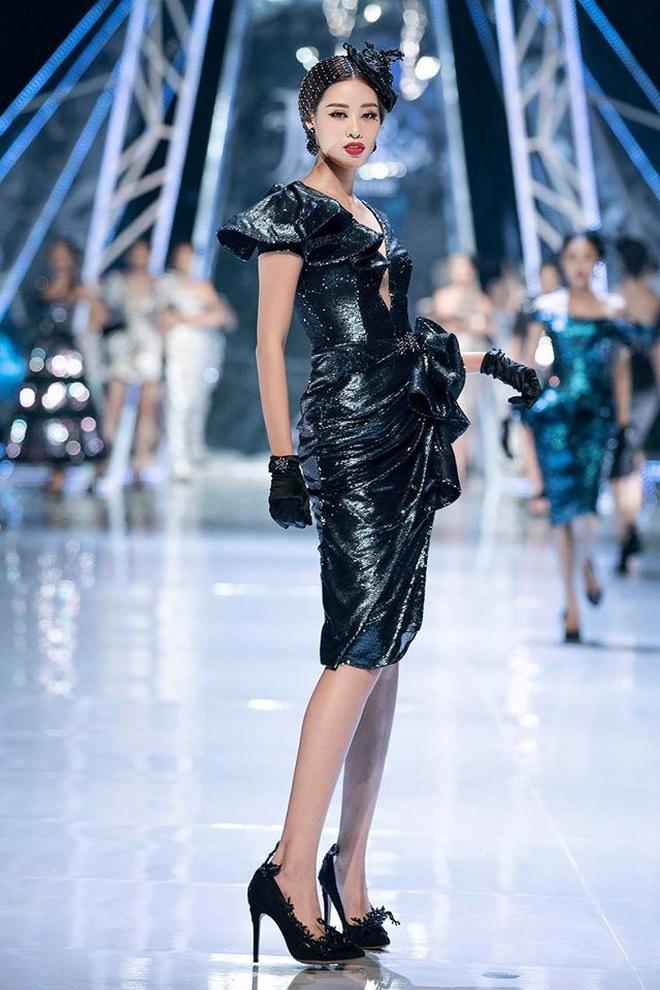 Catwalk điêu luyện nhường này, tân Hoa hậu Khánh Vân chắc chắn sẽ làm nên chuyện ở đấu trường nhan sắc quốc tế - ảnh 11