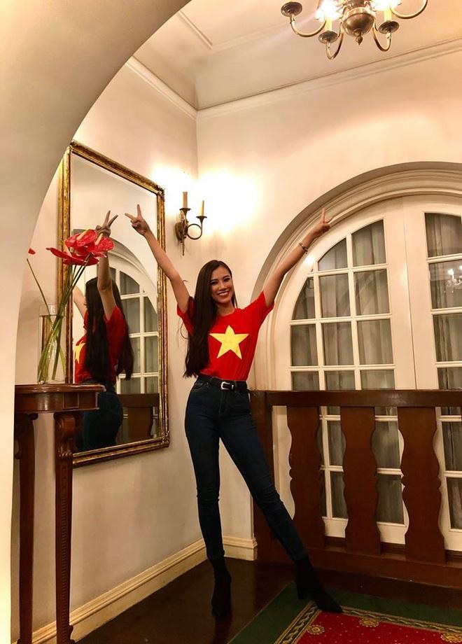 Á hậu Nguyễn Huỳnh Kim Duyên: Để mãi 1 kiểu tóc thương hiệu nhưng không hề nhàm mà còn thần thái ngút ngàn - ảnh 14