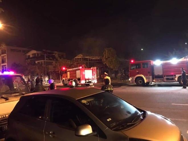 Kinh hoàng cháy nhà hàng lúc rạng sáng khiến 4 người tử vong thương tâm - Ảnh 1.