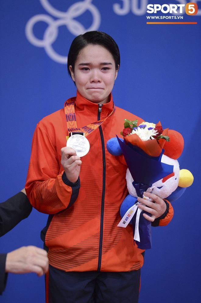 Võ sĩ Karatedo Việt Nam bật khóc trên bục nhận giải: Ấm ức không phục phán quyết cảm tính của tổ trọng tài - ảnh 3