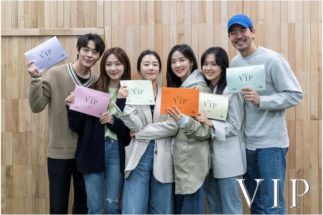 Review Vị Khách Vip: Kì án ngoại tình hấp dẫn nhất màn ảnh Hàn, tóm được tiểu tam lại thấp thỏm chờ Jang Nara trả thù - ảnh 10