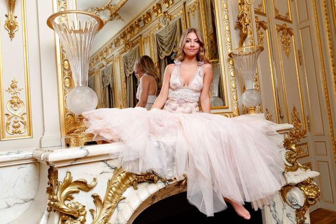 """Tiệc xa hoa của hội tiểu thư nhà siêu giàu: Tràn ngập đồ Haute Couture, """"gắt"""" không thua kém thảm đỏ siêu sao - ảnh 8"""