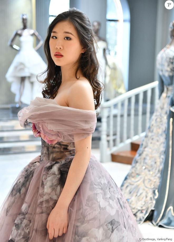"""Tiệc xa hoa của hội tiểu thư nhà siêu giàu: Tràn ngập đồ Haute Couture, """"gắt"""" không thua kém thảm đỏ siêu sao - ảnh 6"""