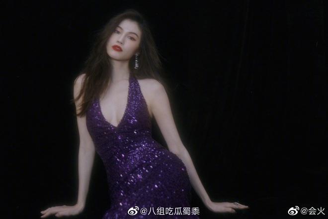 Đẳng cấp siêu mẫu Victoria's Secret: Sui He khiến Weibo sốt xình xịch với khoảnh khắc tạo dáng cực thần thái - ảnh 7