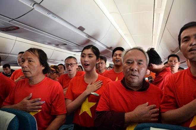 Tăng thêm 6 chuyến bay sang Philippines phục vụ người hâm mộ tham dự Chung kết bóng đá nam SEA Games 30 - ảnh 1