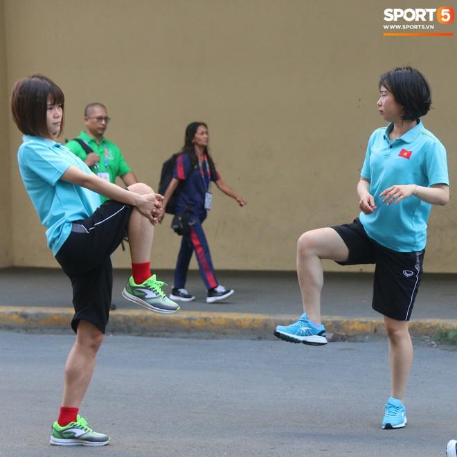 ĐT nữ Việt Nam cười tươi, thoải mái trước giờ đấu Thái Lan trong trận tranh huy chương vàng SEA Games 30 - ảnh 6
