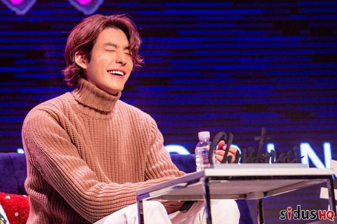 Kim Woo Bin lột xác ngoạn mục tại sự kiện đầu tiên: Visual còn đỉnh hơn xưa, vỡ òa trước dàn khách mời đặc biệt - ảnh 3