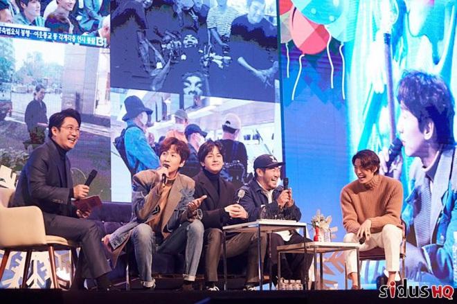 Kim Woo Bin lột xác ngoạn mục tại sự kiện đầu tiên: Visual còn đỉnh hơn xưa, vỡ òa trước dàn khách mời đặc biệt - ảnh 10