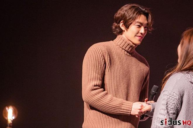 Kim Woo Bin lột xác ngoạn mục tại sự kiện đầu tiên: Visual còn đỉnh hơn xưa, vỡ òa trước dàn khách mời đặc biệt - ảnh 4