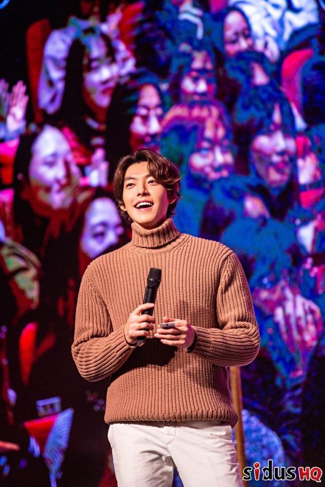 Kim Woo Bin lột xác ngoạn mục tại sự kiện đầu tiên: Visual còn đỉnh hơn xưa, vỡ òa trước dàn khách mời đặc biệt - ảnh 5