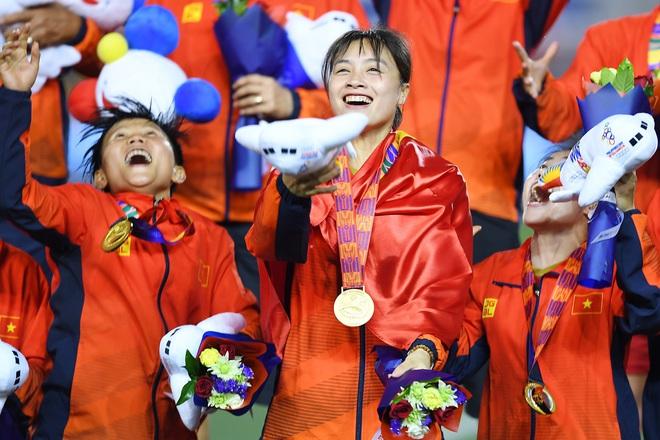 Hoàng Thị Loan: Cầu thủ xinh đẹp của tuyển nữ Việt Nam nhưng vẫn chưa có người yêu - ảnh 1