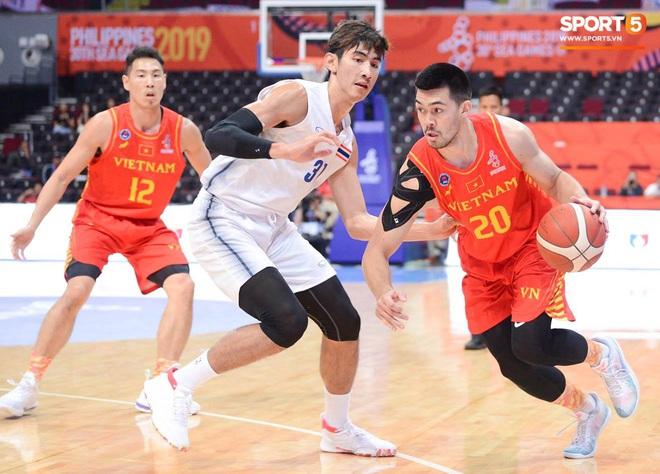 Trần Đăng Khoa bị truất quyền thi đấu, đội tuyển bóng rổ Việt Nam nhận thất bại đáng tiếc trong trận bán kết trước đối thủ truyền kiếp Thái Lan - ảnh 3