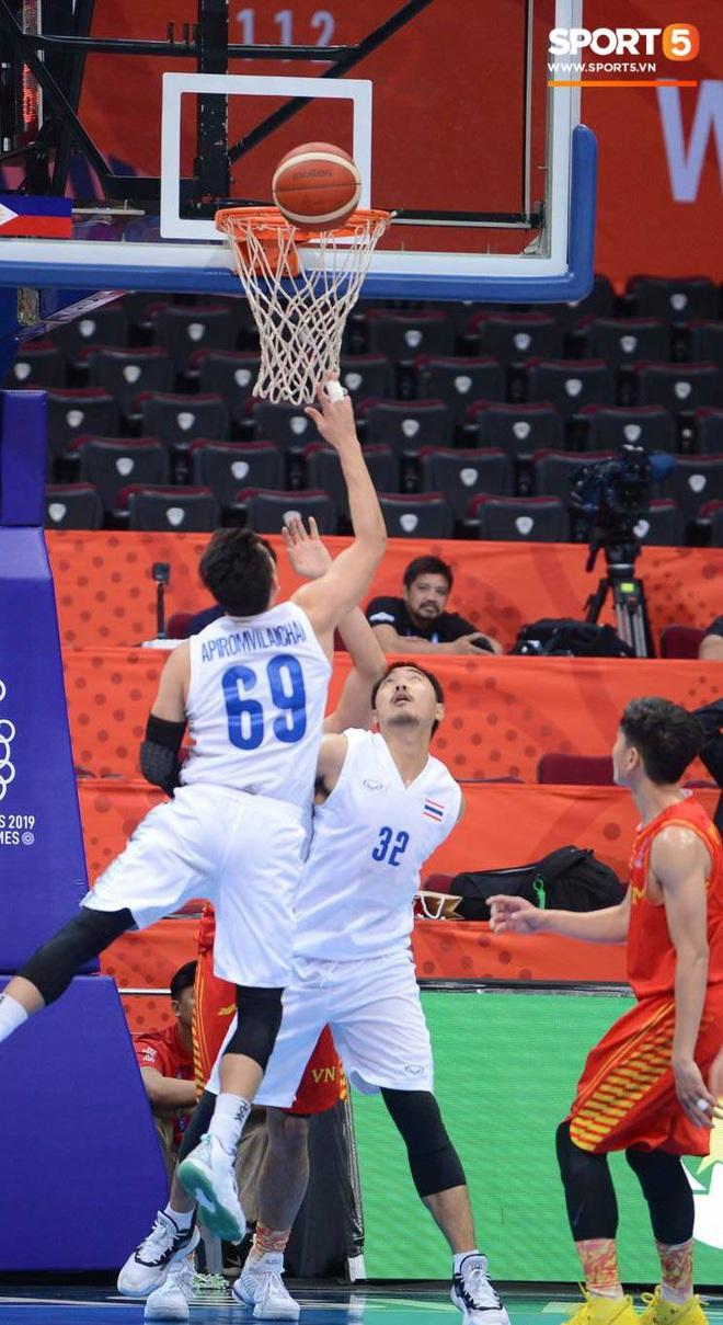 Trần Đăng Khoa bị truất quyền thi đấu, đội tuyển bóng rổ Việt Nam nhận thất bại đáng tiếc trong trận bán kết trước đối thủ truyền kiếp Thái Lan - ảnh 5