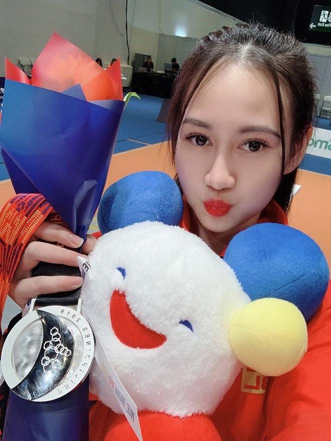 Ngây ngất trước vẻ đẹp vạn người mê của nữ VĐV đấu kiếm vừa đem về huy chương bạc cho Việt Nam - ảnh 4