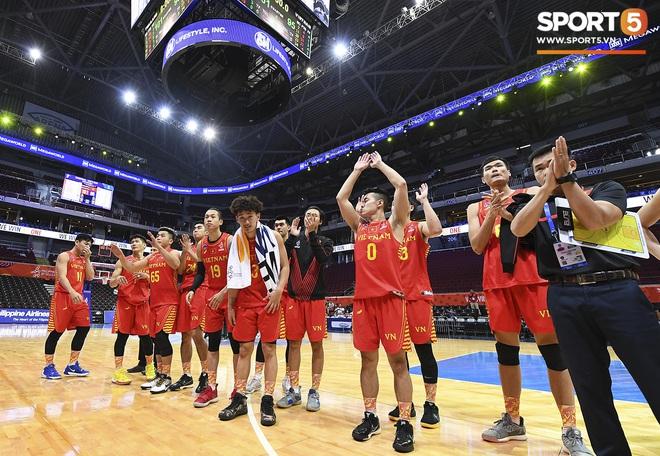 HLV trưởng tuyển bóng rổ Việt Nam thừa nhận thất bại đáng tiếc, hướng các học trò đến trận tranh huy chương đồng - ảnh 4