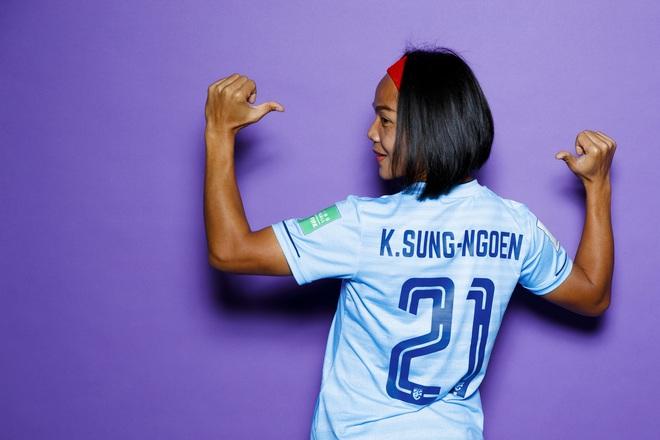 Kanjana Sungngoen, nữ cầu thủ Thái Lan bị một số fan Việt miệt thị: Cưới chồng sau 5 năm yêu nhau, từng đập tan giấc mơ World Cup của Việt Nam - ảnh 2