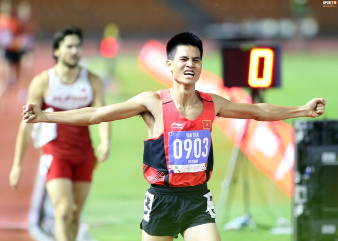 SEA Games 2019: VĐV Philippines ăn quả đắng khi cố húc văng Dương Văn Thái của Việt Nam khỏi đường đua - ảnh 7