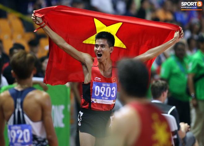 SEA Games 2019: VĐV Philippines ăn quả đắng khi cố húc văng Dương Văn Thái của Việt Nam khỏi đường đua - ảnh 8