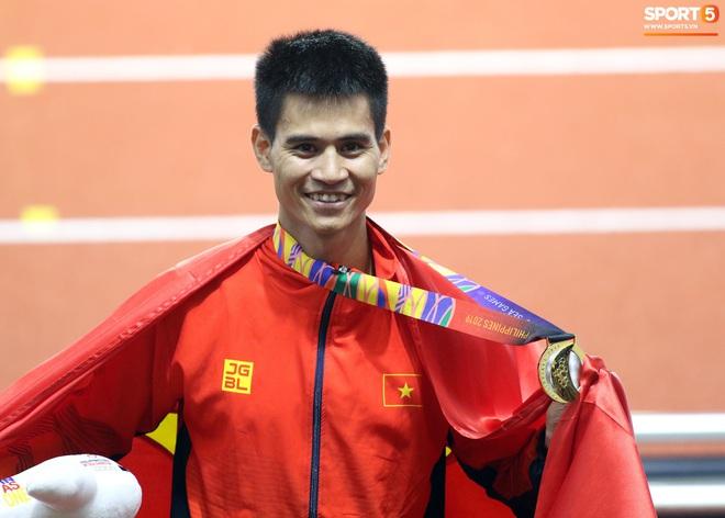 SEA Games 2019: VĐV Philippines ăn quả đắng khi cố húc văng Dương Văn Thái của Việt Nam khỏi đường đua - ảnh 10