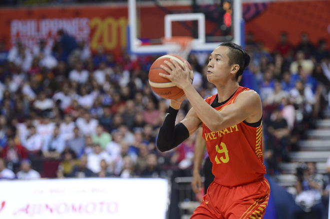 Bất ngờ xuất hiện tại SEA Games 30, nữ ca sĩ tham gia đóng MV cùng Đen Vâu cổ vũ hết mình cho đội tuyển bóng rổ Việt Nam - ảnh 3