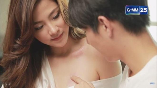 3 gái ngành nức tiếng màn ảnh Thái dĩ nhiên không thể thiếu mỹ nhân chuyển giới Baifern Pimchanok - ảnh 1