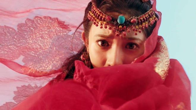 Fan Đông Cung tranh cãi vì cặp mắt to như... con ốc của nữ chính Bành Tiểu Nhiễm - Ảnh 3.