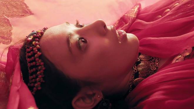 Fan Đông Cung tranh cãi vì cặp mắt to như... con ốc của nữ chính Bành Tiểu Nhiễm - Ảnh 4.