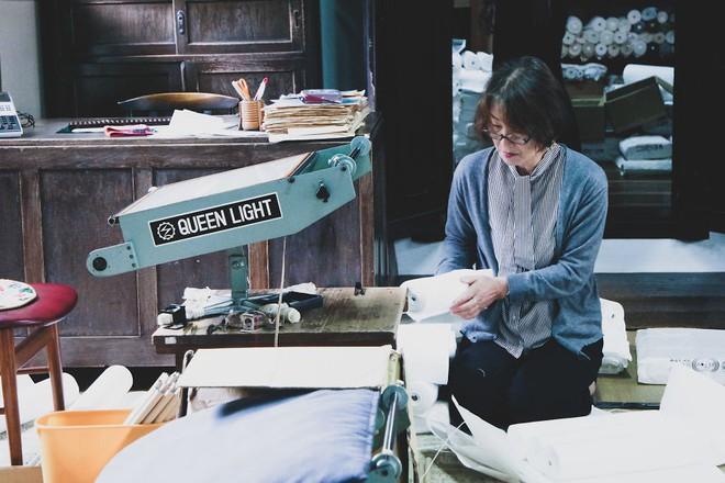 Một ngày tại làng nghề truyền thống Kyoto, nơi các nghệ nhân làm giấy, dệt lụa theo phương pháp thủ công qua hàng thế kỷ - Ảnh 18.