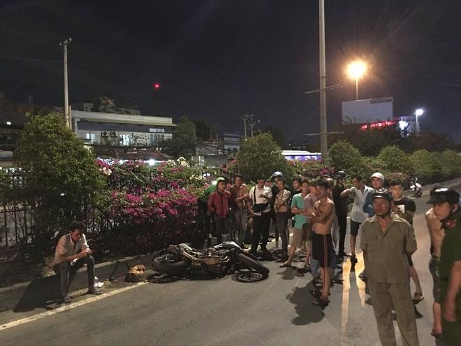 Thanh niên đi mô tô chết thảm sau cú tông vào đuôi xe container dừng trên quốc lộ 1A - ảnh 3
