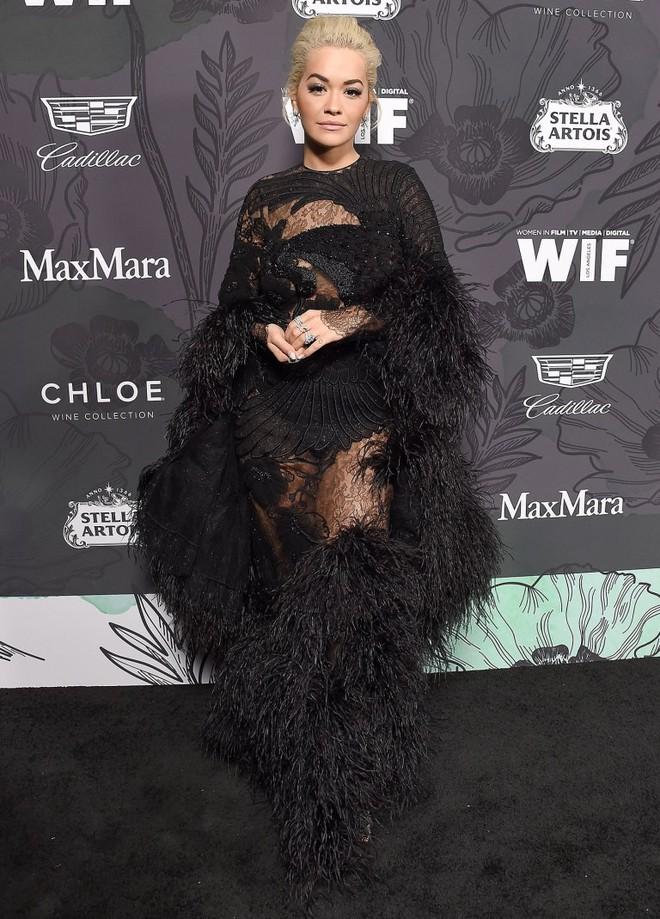 Tiền tiệc Oscar: Miley Cyrus tình tứ bên Kristen Stewart dù đến với chồng, Katy Perry khoe nhẫn khủng bên dàn siêu sao - ảnh 11