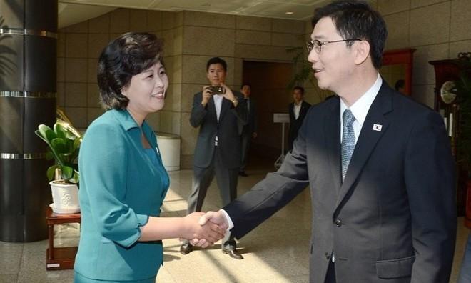 Chân dung 4 người phụ nữ quyền lực tháp tùng Chủ tịch Kim Jong-Un tới Việt Nam - Ảnh 4.